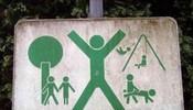 在公园里溜达,看到这个顿时石化了