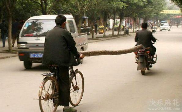 拿木桩代替绳子的确很霸气