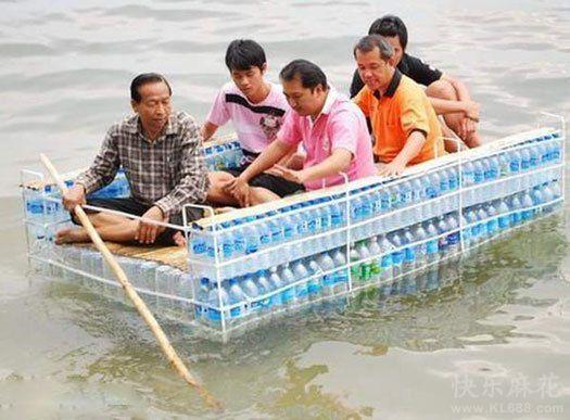 矿泉水瓶做船,好拉风哟
