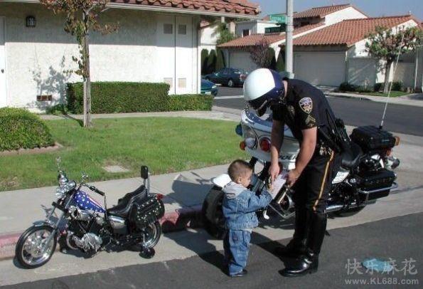 车子要大,违章的时候交警追不上