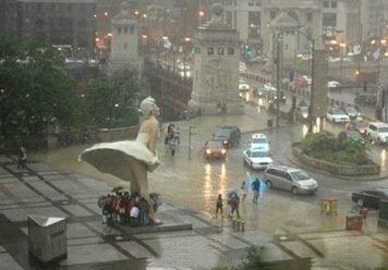 玛丽莲-梦露的雕像原来有这样的用途