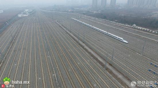 """成都春运动车全上线,只剩一辆热备车孤独地""""看家"""""""